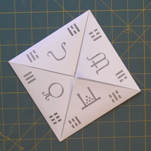 how to make a folded paper fortune teller